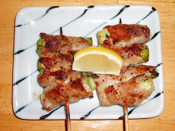 asuparabekon-yakitori-in-Japan-281