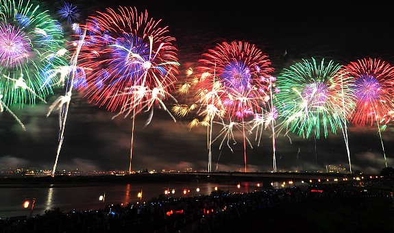 fOsaka Tenjin Fireworks
