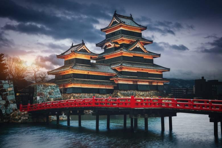 private tour ke shirakawago jepang tour jepang shirakawago wisata ke matsumoto castle