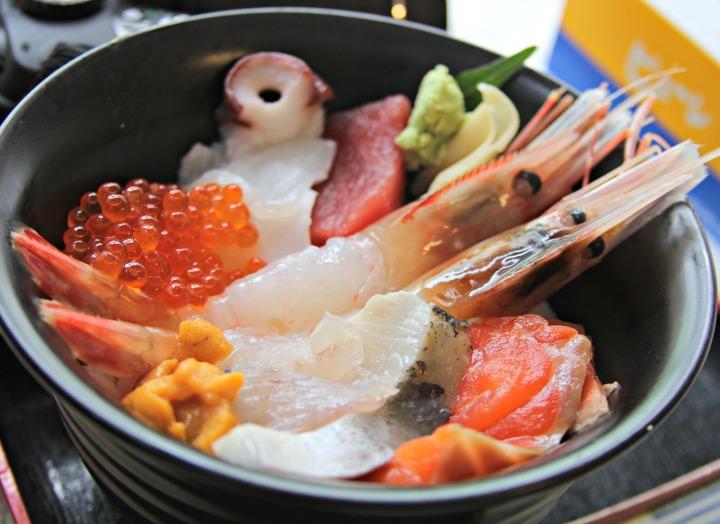 rekomendasi wisata kuliner di sapporo hokkaido jepang donburi hokkaido